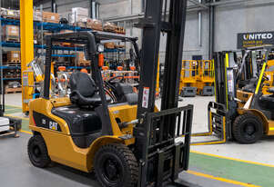 CAT 2.5T LPG Forklift with 2-Stage Mast
