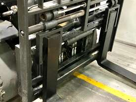 4.0T LPG Counterbalance Forklift  - picture2' - Click to enlarge