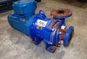 Magnetic Drive Chemical Transfer Pump, IN/OUT: 35mm Dia, 150Lt/min