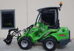 Avant 528 ArborPro Articulated Mini Loader w Telescopic Boom for Arborists