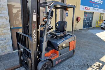 2013 Toyota 1.8t Container Mast 3 wheel electric