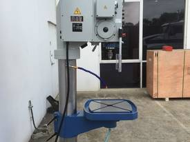 Heavy Duty 50mm Capacity Industrial Drill With Power Table Up & Down - picture19' - Click to enlarge