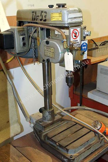 Used Brother Bt 203 Threading Machine In Bayswater North