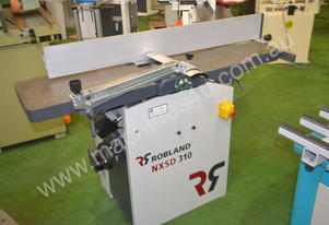 310mm planer thicknesser fitted with spiral head