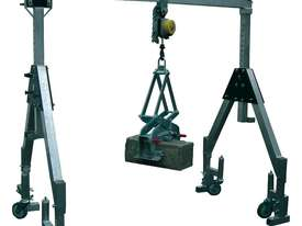 Feltes Portable Crane - picture1' - Click to enlarge