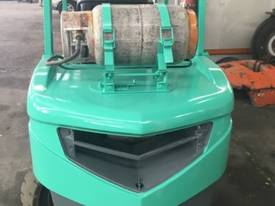 Used Mitsubishi 3.5 tonne LPG forklift - picture4' - Click to enlarge