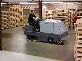 Nilfisk Combination Ride On Sweeper Scrubber Dryer CR1500  - picture4' - Click to enlarge