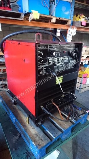 Used Lincoln Idealarc Acdc 250 250 Three Phase Tig Welders In