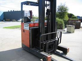 TOYOTA Reach Truck  6.5 mtr lift **LOW HOURS**  - picture3' - Click to enlarge