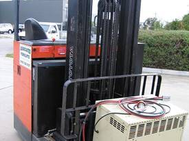 TOYOTA Reach Truck  6.5 mtr lift **LOW HOURS**  - picture2' - Click to enlarge
