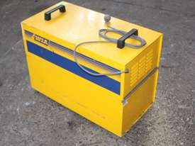 WIA ON-GUN FUME EXTRACTOR portable welding  - picture0' - Click to enlarge
