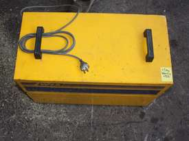 WIA ON-GUN FUME EXTRACTOR portable welding  - picture1' - Click to enlarge