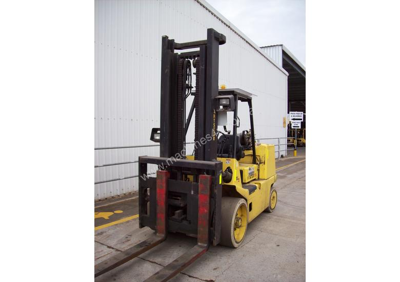 Hyster 7T Counterbalance Forklift