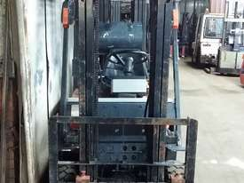 Toyota 5FG15 Forklift Container Entry Mast Great Value - picture2' - Click to enlarge