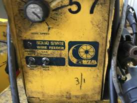 WIA MIG Welder Weldmatic Fabricator 320 amps 415 Volt with SWF Seperate Wire Feeder - picture1' - Click to enlarge