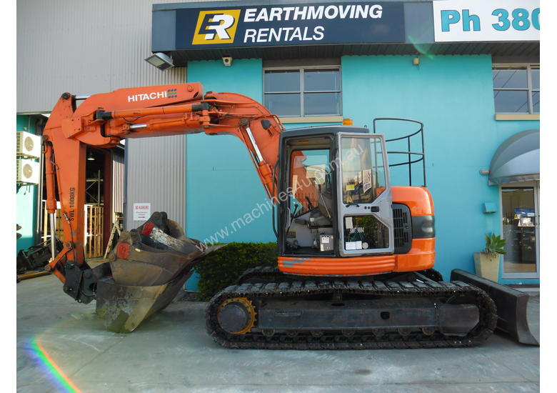 15 0 Tonne Excavator available for HIRE - Hitachi ZX135