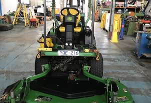 John Deere Ride on Mower 1445 Series 2 4WD 72