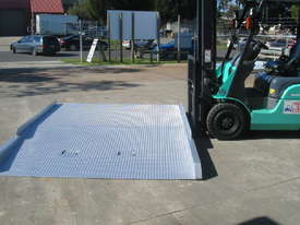 FORKLIFT CONTAINER RAMP - picture4' - Click to enlarge