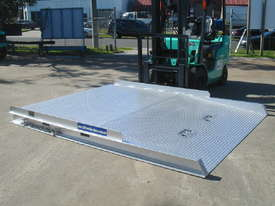 FORKLIFT CONTAINER RAMP - picture5' - Click to enlarge