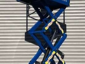 USED 8FT SCISSOR LIFT - picture1' - Click to enlarge