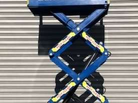 USED 8FT SCISSOR LIFT - picture2' - Click to enlarge