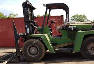Clarke 4mtr two stage mast Forklift