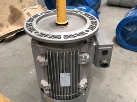 11 kw 15 hp 6 pole 400 volt Flange AC Electric Motor - picture0' - Click to enlarge