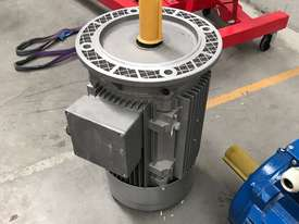11 kw 15 hp 6 pole 400 volt Flange AC Electric Motor - picture2' - Click to enlarge