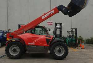 Rough Terrain Telehandler in very good condition for sale