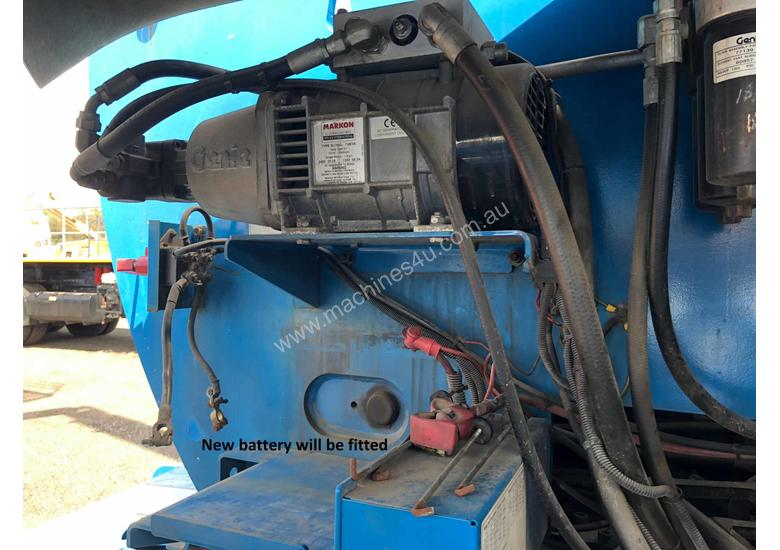 USED GENIE 80FT KNUCKLE BOOM LIFT