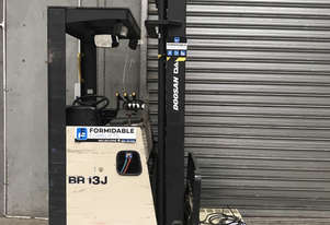 Crown   BR13J Reach Forklift
