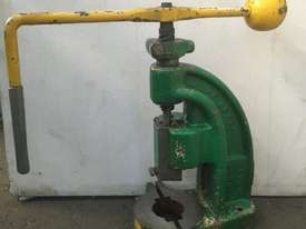 AP Lever 3ton Fly Press - picture0' - Click to enlarge