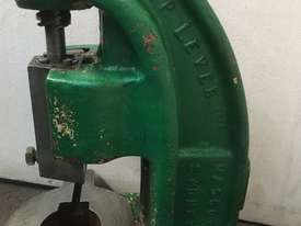 AP Lever 3ton Fly Press - picture1' - Click to enlarge