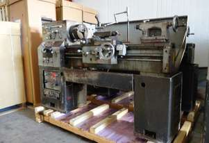 Centre Lathe, 330x1000mm Turning Capacity