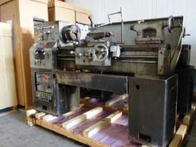 Centre Lathe, 330x1000mm Turning Capacity - picture0' - Click to enlarge