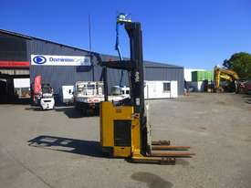 YALE NR035ADNL36TE131 Electric Reach Stacker (GA1260) - picture2' - Click to enlarge