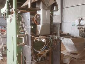 AUTOMATIC BAGGING MACHINE Form fill Seal - picture0' - Click to enlarge
