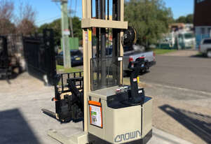 Crown 1.5T Walkie Reach Stacker Forklift FOR SALE