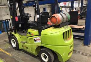 Used CLARK 2.5t LPG Container Access Forklift - For Rent