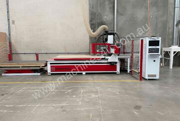 Woodtron One Auto CNC 2400x1200 with dust extractor