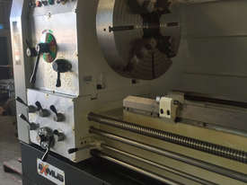 Everturn Big Bore Lathe, up to � 230mm Spindle Bore - picture0' - Click to enlarge