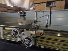 Everturn Big Bore Lathe, up to � 230mm Spindle Bore - picture3' - Click to enlarge
