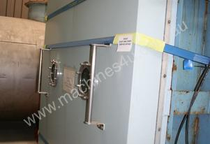 Freeze Dryer, this unit has a load quantity of 200