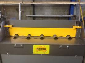 Keech corrugated hydraulic guillotine - picture1' - Click to enlarge