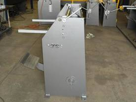 Keech corrugated hydraulic guillotine - picture18' - Click to enlarge