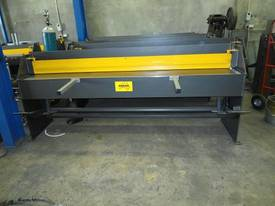 Keech corrugated hydraulic guillotine - picture16' - Click to enlarge