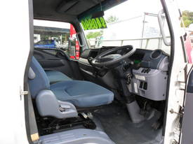 2012 FUSO CANTER 918  - picture9' - Click to enlarge