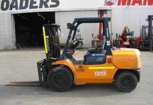 Container Forklifts