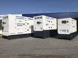 1375 KVA Containerised Diesel Generator 3 Phase 415V - Cummins or Perkins Powered - picture7' - Click to enlarge