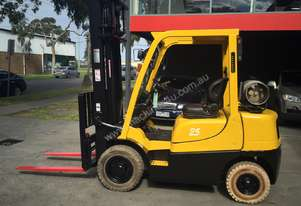Hyster H2.5TX 2.5Tonne with sideshifting fork tyne positioner attachment